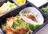 白身魚のステーキ&蒸し焼き豪華弁当