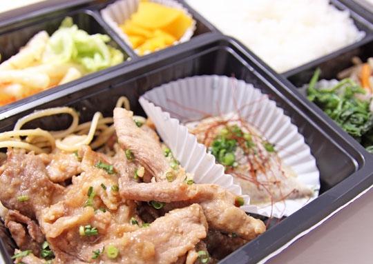 生姜焼き&白身魚の蒸し焼き豪華弁当