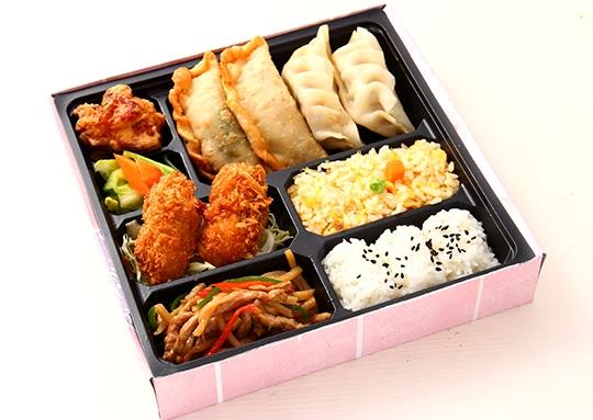 カキフライ&チンジャオロースと餃子幕ノ内弁当