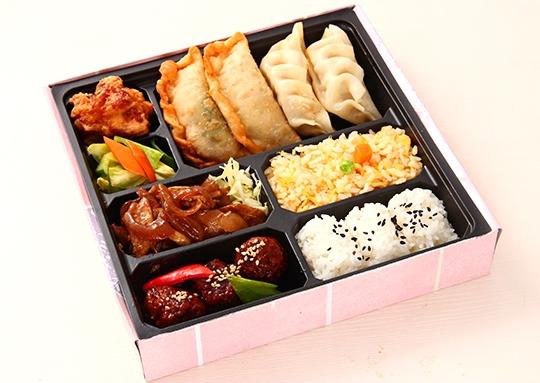 生姜焼き&肉団子と餃子幕ノ内弁当
