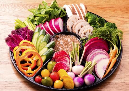 野菜ソムリエが選んだ味の濃い野菜のバーニャカウダ