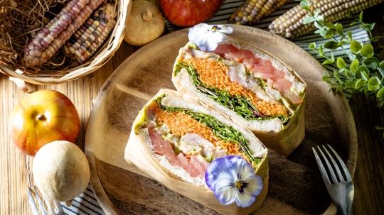 7種野菜のサラダとOrganicBLTサンドイッチBOX