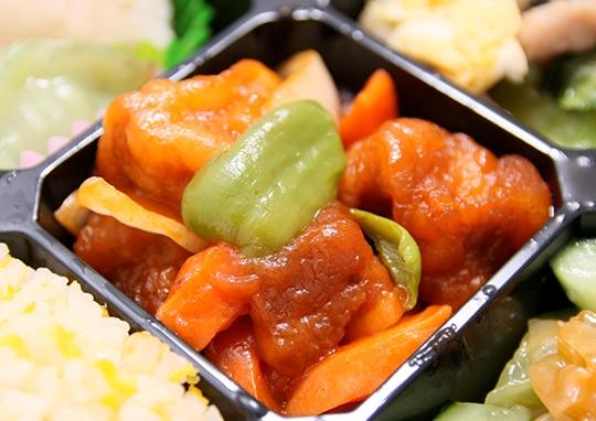 酢豚と海鮮オイスター炒め幕の内弁当