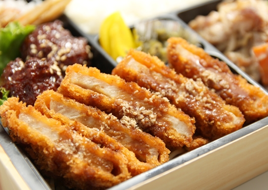 トンカツ&豚味噌焼き弁当