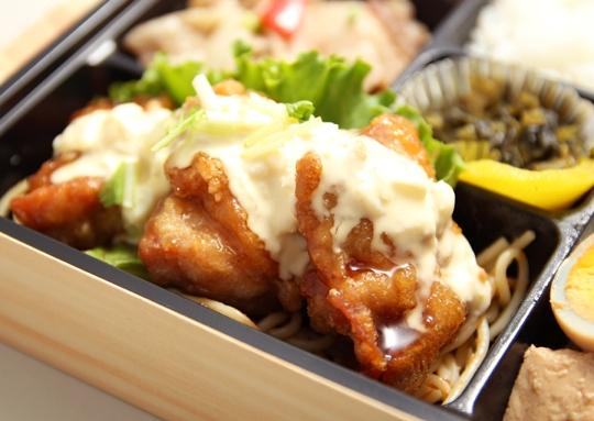 すき焼き&チキン南蛮弁当