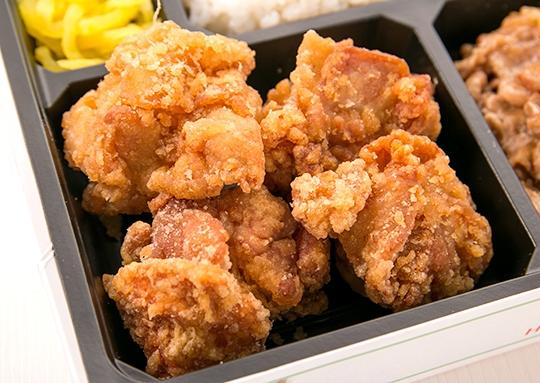 衝撃の鶏の唐揚げ弁当