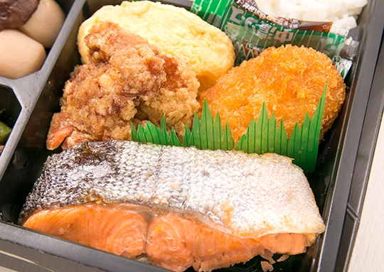 満腹の焼き鮭弁当