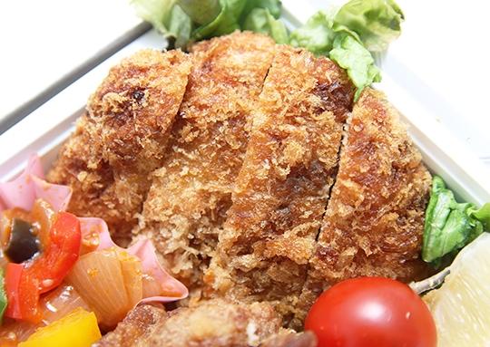 メンチカツ&若鶏の唐揚げ&鯖塩焼き弁当