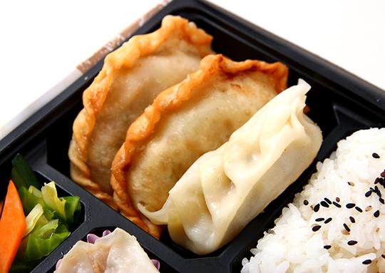 鶏ねぎ&回鍋肉と餃子幕ノ内弁当