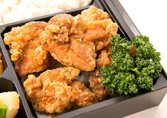 納得の鶏の唐揚げ弁当